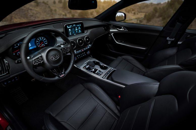 2018 Kia Stinger interior equipment